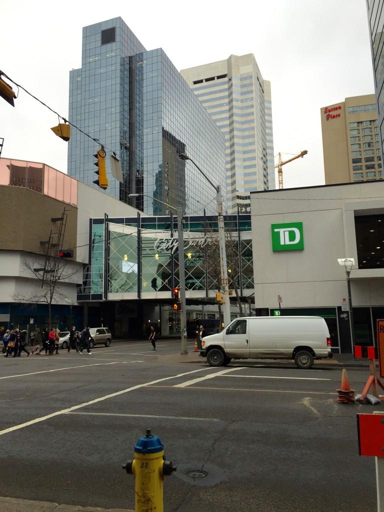 In der Downtown sind die Gebäude mit Tunneln und Glasbrücken verbunden.
